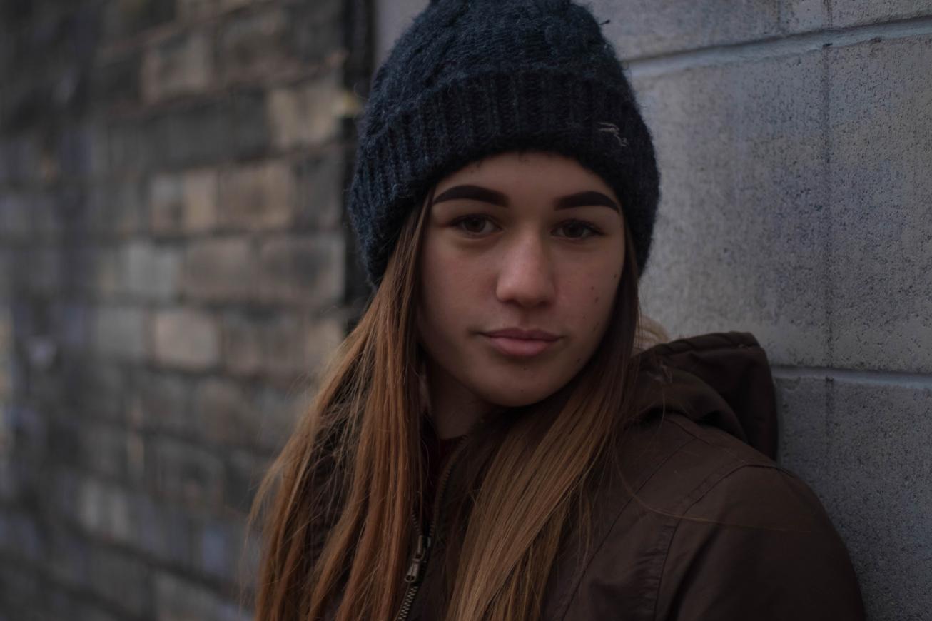 Une adolescente de 13 ans, à  la Maison des jeunes Le Spoth